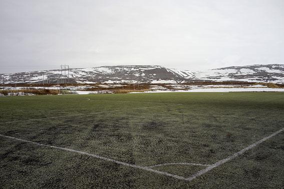 0334-Berlevag-Sportplatz